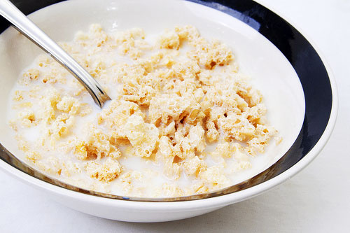 20110821-rice-krispies-treats-cereal-bowl