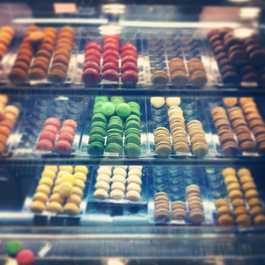 Oh baby...come to momma. My name is Wendi Hansen, and I am a macaron-aholic.